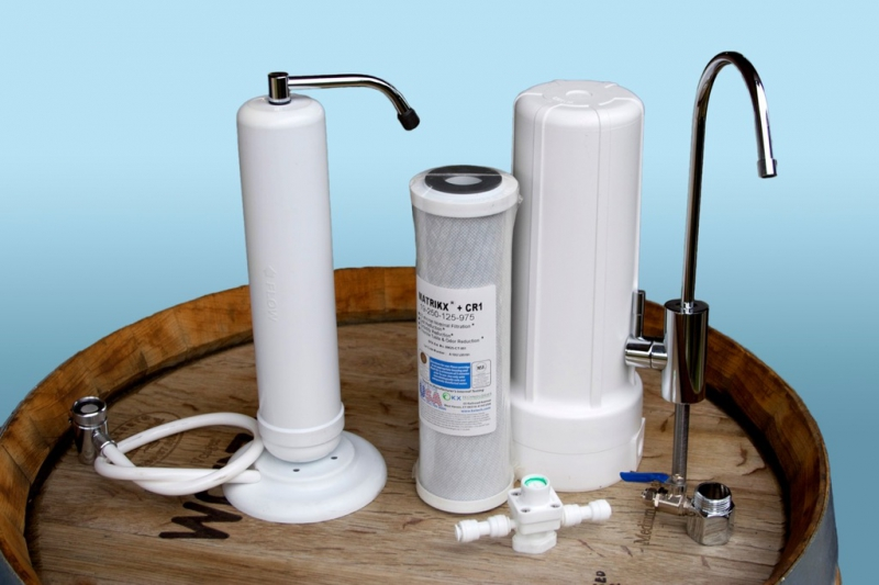 Benchtop water purifiers