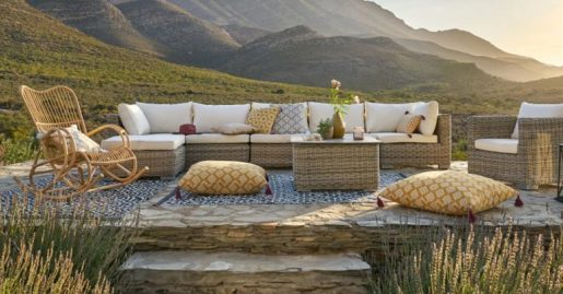Round outdoor sectional