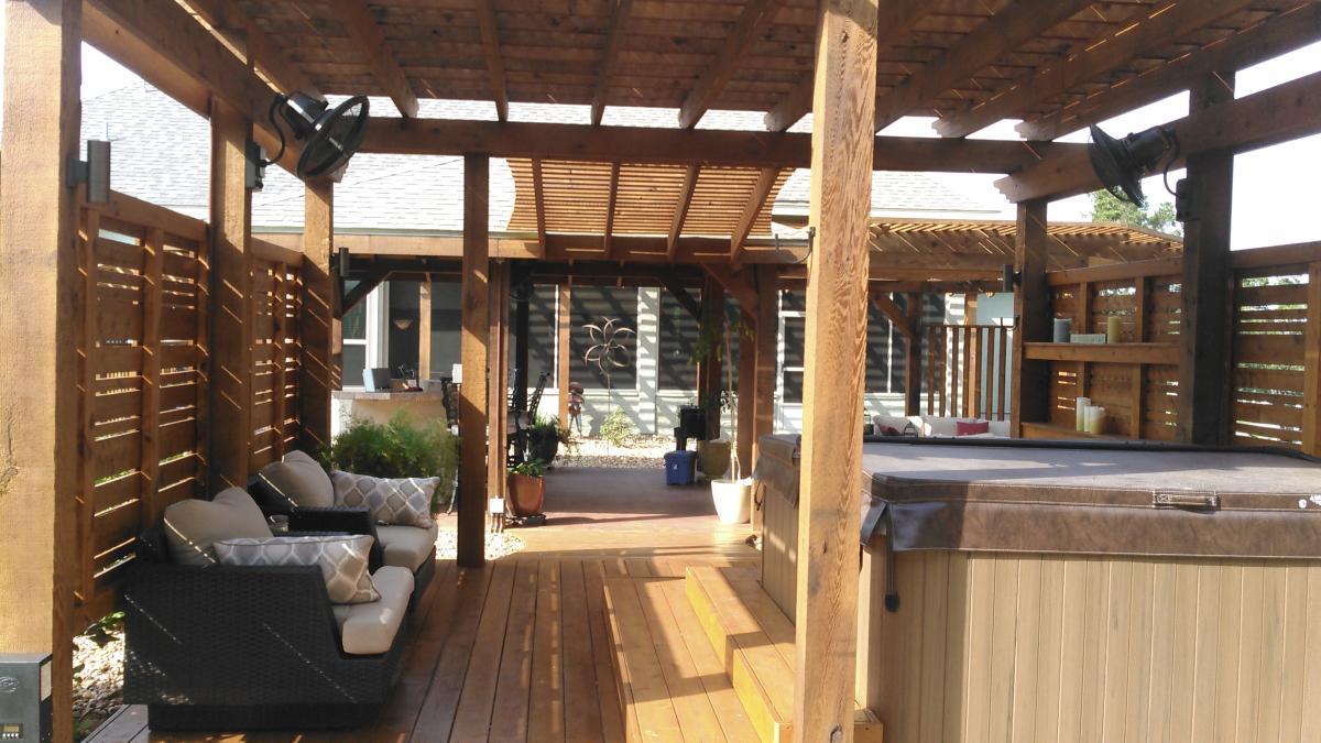 Deck builders' contractors