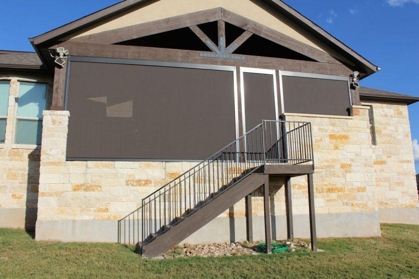 retractable screens Westlake